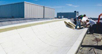 Dampfsperre: ROCKWOOL erster Hersteller bietet System-Dachaufbau gemäß DIN 18234