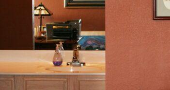 Selbstklebende Folie: Dekorfolien für Möbel und Bad