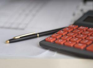 Eine Kalkulation der Kosten geht jeder Kaufentscheidung voraus.