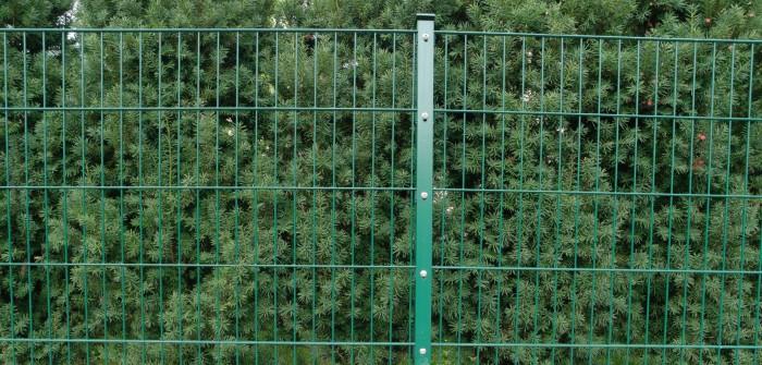 Doppelstabmatten: Zuschnitte an Sichtschutzstreifen geben mehr Sicherheit
