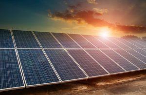 Die Kreditanstalt für Wiederaufbau (KfW) fördert bewusst den Bau von Anlagen zur Gewinnung von Strom aus Sonnenenergie. (#3)