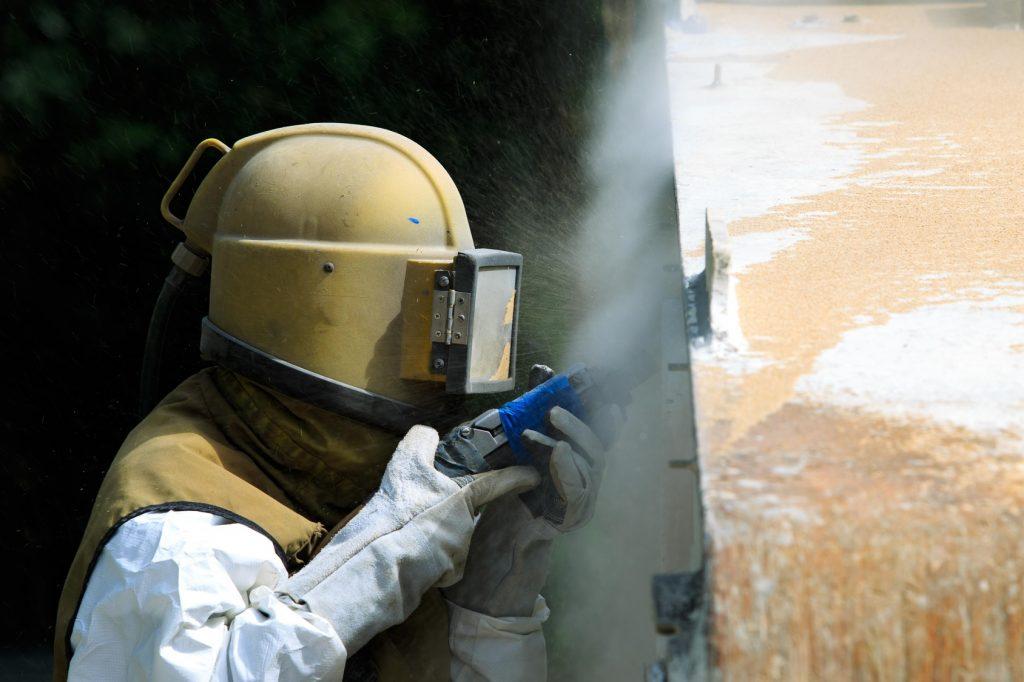 Sandstrahlen: Sandstrahlen kommt nicht nur in der Autoindustrie oder dem Maschinenbau zum Einsatz. (#02)