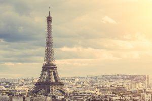 Gerade in Paris sind die Lebenshaltungskosten hoch - die Gehälter sind im Gegensatz dazu allerdings für den Unternehmer bezahlbar. (#01)