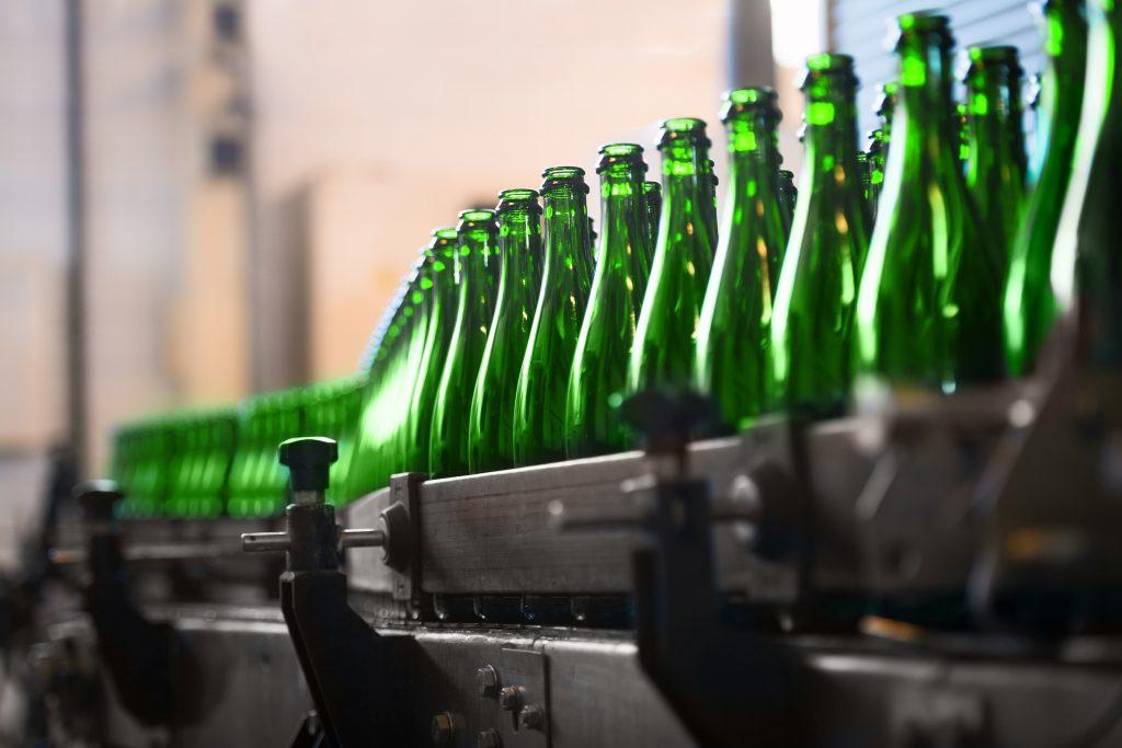 Gesteigerte Qualitäten führen zwangsläufig zu erhöhter Produktnachfrage, die sich unter dem Strich in einem gesteigerten Personalbedarf artikuliert – ungeachtet aller Automatisierungs- und Fertigungstechniken. (#03)