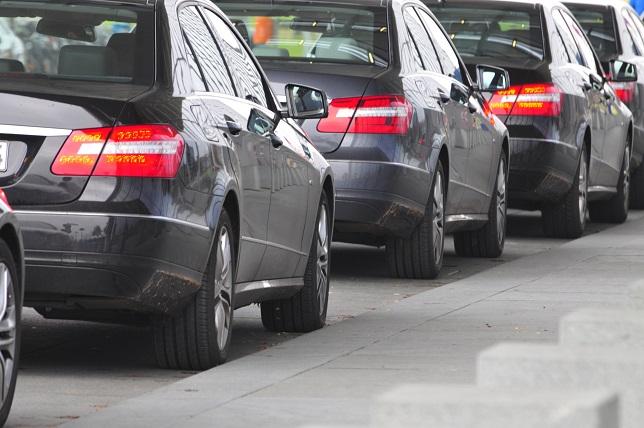 Anstelle der 1 Prozentpauschale kann auch die Fahrtenbuch-Regelung für die Besteuerung von privaten Fahrten mit dem Dienstwagen genutzt werden. (#01)