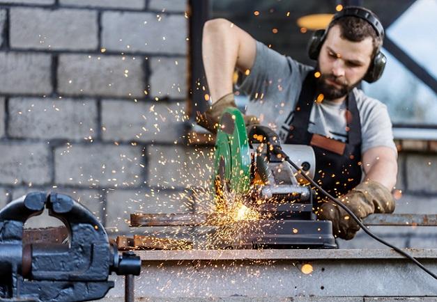 Spanneinheiten die mittels Druckluftmotor oder Vakuum funktionieren und für die Anwendung bzw. den Betrieb von Schraubstockspannungen benötigt werden, stellen in sämtlichen Industriezweigen eine große Erleichterung der unterschiedlichsten Arbeitsschritte dar. (#01)