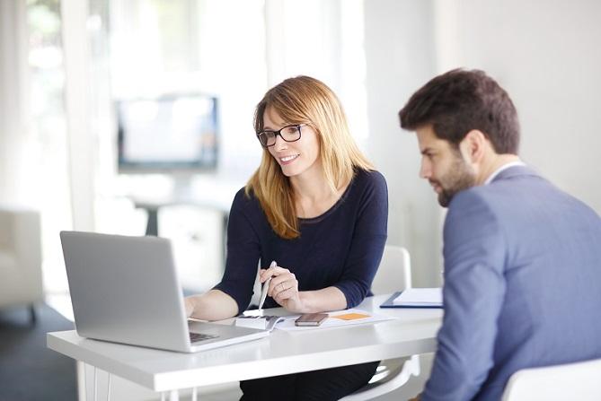 Grundsätzlich können Einzelunternehmer ein klassisches, kostenfreies Girokonto für ihren Betrieb eröffnen. (#06)