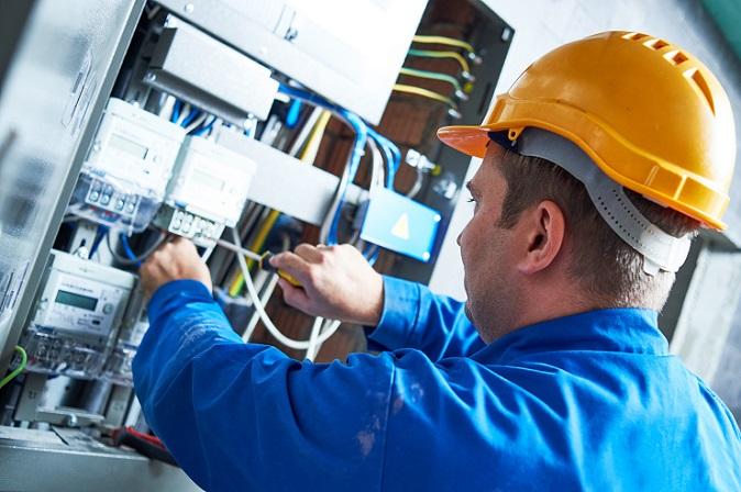 Die Entwicklung der Energiekosten hat vor allem für kleine und mittelständische Unternehmen schwerwiegende Folgen. Denn im Zuge der Veränderungen bei den Fördermitteln kommt es im Jahr 2017 zu einem deutlichen Anstieg der Stromkosten. (#01)