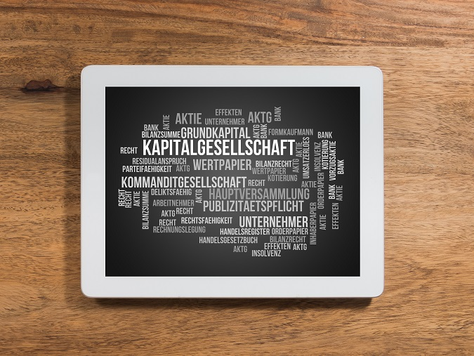 Bei der GmbH & Co. KG handelt es sich um die Kombination aus zwei Unternehmensformen. Sie zählt zu den Kommanditgesellschaften, wobei die Gesellschaft als Komplementär auftritt. Diese Gesellschaftsform bietet vergleichsweise mehr Sicherheit und Handlungsfreiheit. ('#02)