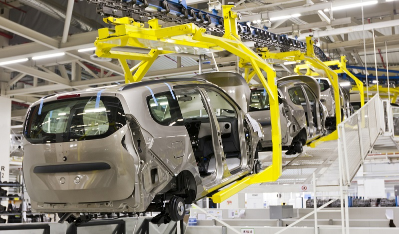 Experten gehen jedoch davon aus, dass das protektionistische Vorhaben mit Strafzöllen einen negativen Effekt auf die US-amerikanische Wirtschaft haben wird. Werden beispielsweise die Pläne für Strafzölle in der Automobilbranche umgesetzt, hat das höchstwahrscheinlich negative Auswirkungen.(#02)