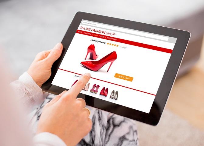 Trotzdem steht für die meisten Experten fest: der Siegeszug des Onlinehandels, wie beispielsweise der Otto Online Handel, wird auch 2017 weitergehen. Es wird erwartet, dass nicht nur der Textilbereich im Internet weiterwachsen wird. (#01)