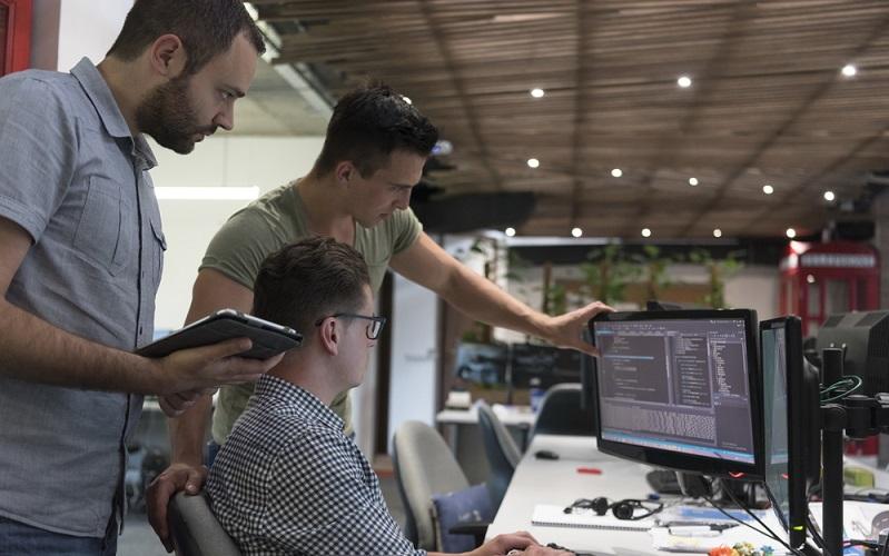 Wer es nun gar nicht mehr erwarten kann, mit den kombinierten Produkten zu arbeiten, der wird erfreut darüber sein zu erfahren, welche Varianten demnächst auf den Markt kommen sollen. Geplant ist eine Application Integration Suite, die von IBM zur Verfügung gestellt wird. Hier haben Anwender die Möglichkeit, die Daten aus der On-Premise-Welt zusammenzubringen mit denen aus dem Cloud-Bereich. (#02)