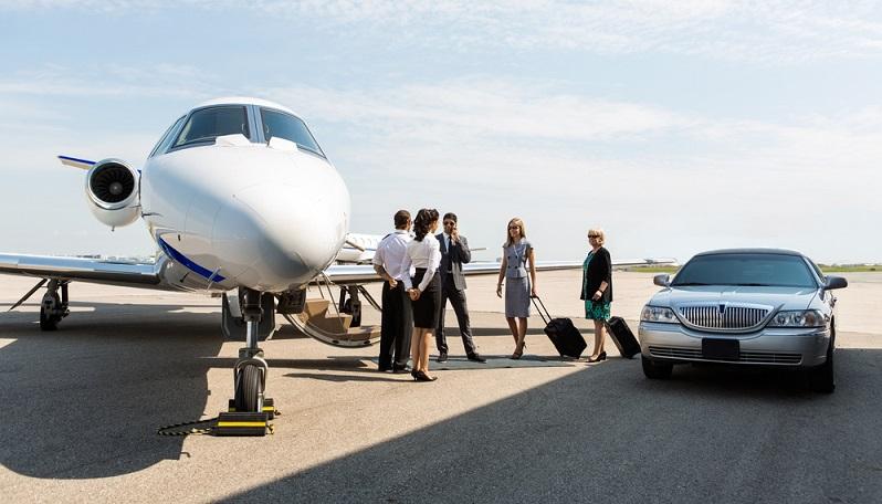 Business Jets können verschiedenen Größen haben und fangen an mit vier Sitzen, wie zum Beispiel die Piper PA-28 oder die Cessna 172 mit ein oder zwei Propeller, gehen über Turboprop Modelle, wie zum Beispiel die Beechcraft King Air bis zu großen Jets, die auf einer Boeing 737 oder einem Airbus A319, wie beispielsweise der Corporate Jetliner, basieren. (#02)