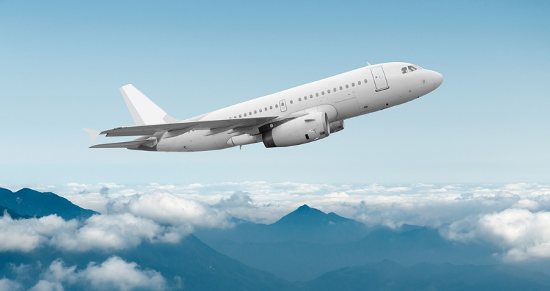 Oft fliegen die Flugzeugeigner ihre Jets auch selbst, wenn es zu einem dienstlichen Termin geht. Von entscheidender Bedeutung ist das Vertrauen der Kunden in den Hersteller. Kunden für große Jets bestehen in erster Linie aus Fractional-Ownership Unternehmen und Unternehmen für Executive Charter und somit gewerblichen Betrieben, die sich auf den Charter von Business Jets konzentrieren. (#03)