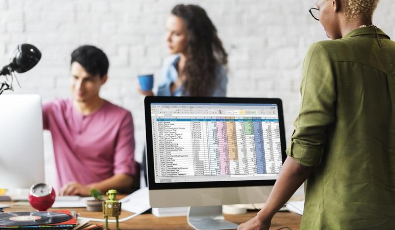 Für die effiziente Umsetzung der Datenanalyse muss ein System vorhanden sein, das die gesammelten Daten an einem zentralen Punkt zusammenbringt.(#02)