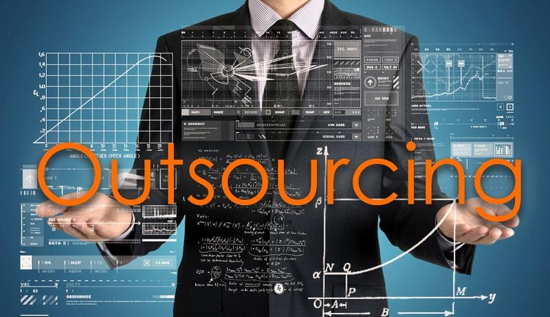 IT-Outsourcing ist längst ein vielfach erprobtes Mittel zur Kostenersparnis und Konzentration auf das Kerngeschäft eines Unternehmens. (#01)