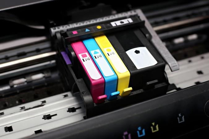 Entscheidend für die Zukunft der Drucker sind vermutlich auch die Kosten der Verbrauchsmaterialien. Denn die Kosten für Druckerpatronen und Papier summieren sich im Laufe einen Druckerlebens doch deutlich. (#3)