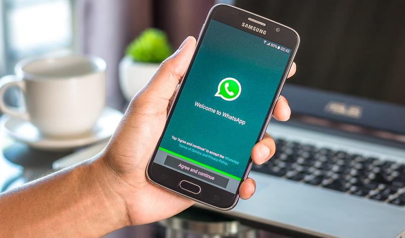 Wer Whatsapp nutzt, bewegt sich auf dünnem Eis, was Datenschutz und das Recht auf Weitergabe von Daten angeht. Nun droht durch das Urteil des Amtsgerichts Bad Hersfeld eine Abmahnwelle sondergleichen. (#01)