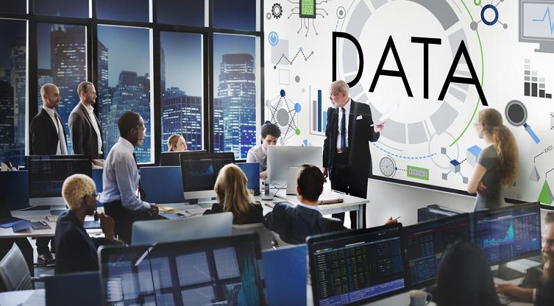 Big Data Analytics dient der Analyse großer Datenvolumina aus unterschiedlichen, unstrukturierten Quellen, um daraus Informationen für die Unternehmensführung abzuleiten. (#01)