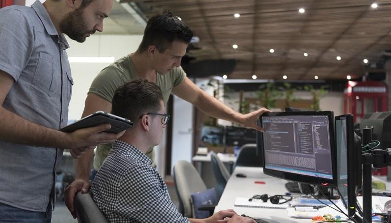 Allerdings ist die Vergabe solcher Kleinkredite nur mit der geeigneten Software möglich. Diese hilft durch ihre Systematik, die vorgeschriebenen Standards einzuhalten und gleichzeitig das Verfahren zu beschleunigen. (#01)