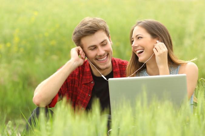 Auch integrierte Musik in Videos ist ein erfolgreiches Mittel. Musik schafft Atmosphäre - aber auch hier gilt es die Musikrechte im Blick zu haben! (#7)
