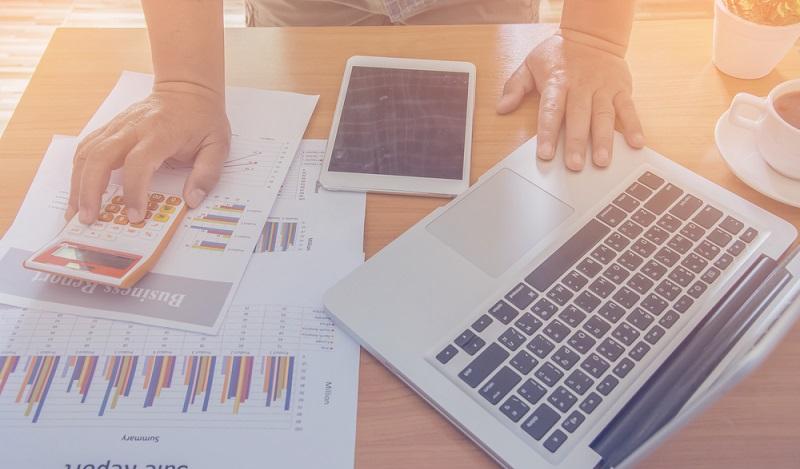 Wird mit geeigneten Maßnahmen die Datenqualität gesteigert, ergeben sich große Kostensenkungspotentiale, da die Geschäftsprozesse vereinfacht werden und darüber hinaus auch reibungsloser ablaufen.(#01)