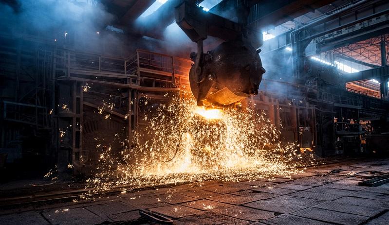 Die Beschäftigten der Metallgießerei W. Schmidt können dank des erfolgreichen Insolvenzverfahrens und des neuen Investors nun hoffnungsvoll in die Zukunft blicken, denn ihre Expertise in Bezug auf das Handformverfahren ist weiter gefragt. (#03)