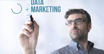 QlikView ist ein an den Anforderungen der User orientiertes Business Intelligence System. Es erlaubt Anwendern im Unternehmen sehr schnell und übersichtlich Datenquellen zu konsolidieren und zu entscheidungsrelevanten Informationen zu transformieren.