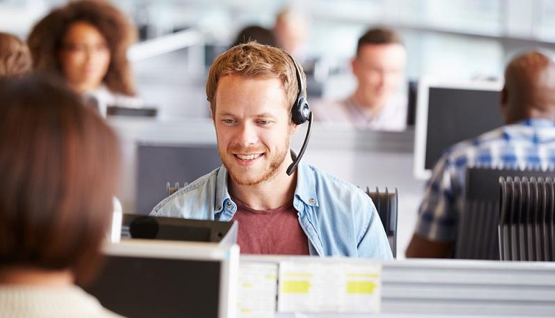 Wenn Sie mit ihrem Gesprächspartner über das Unternehmen reden, lassen Sie sich von ihm erklären, wo genau Probleme aktuell liegen. Möglicherweise muss er dazu erst ein wenig motiviert werden, denn nicht jeder redet leichtfertig über die Probleme, die sich ihm zur Zeit präsentieren. (#03)