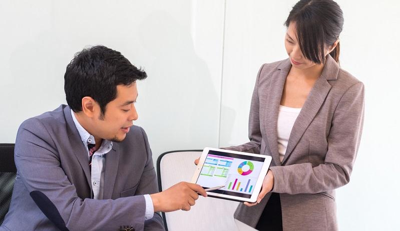 Die Datenanalyse gewinnt an Aussagekraft, wenn mit automatisierten Visualisierungsoptionen, die auf Basis von Best Practise-Empfehlungen generiert wurden, die Ergebnisse der Analyse anschaulich dargestellt werden. (#06)