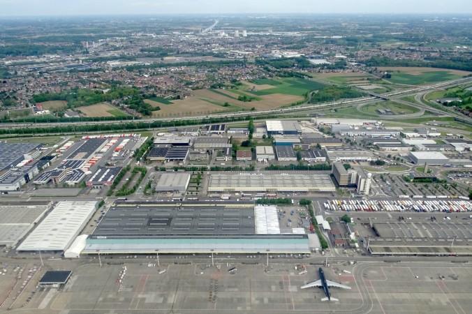 Luftaufnahme des Brüsseler Flughafens Zaventeen. (#3)