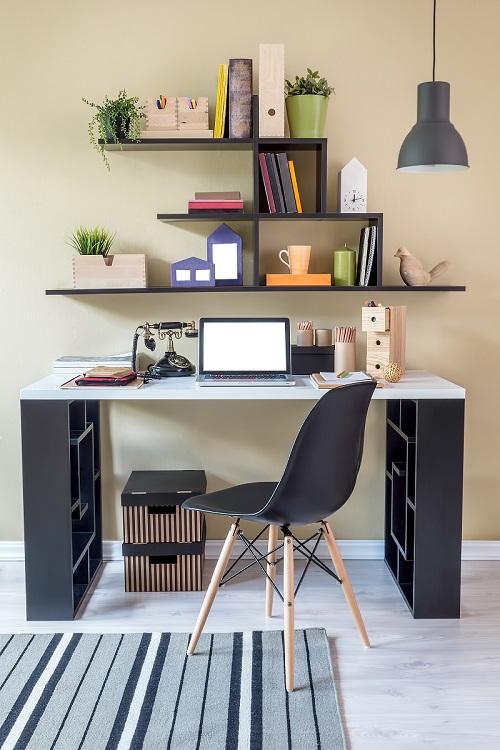Schon Attraktiv Natürlich Ist Es Klar, Dass Mitarbeiter, Die Viel Zeit Im Home  Office