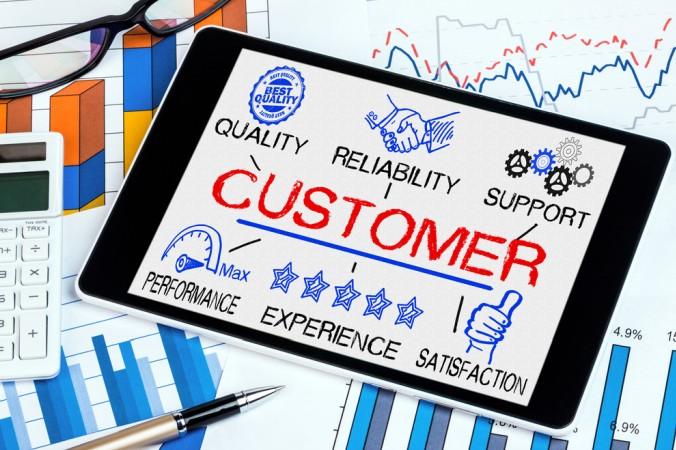 Der beste Kunde ist ein zufriedener Kunde - doch wie genau wird das Unternehmen vom Kunden bewertet? Bei der Auswertung spielen unter Anderem Qualität, Zuverlässigkeit, Leistung und Erfahrung, eine Rolle. (#3)