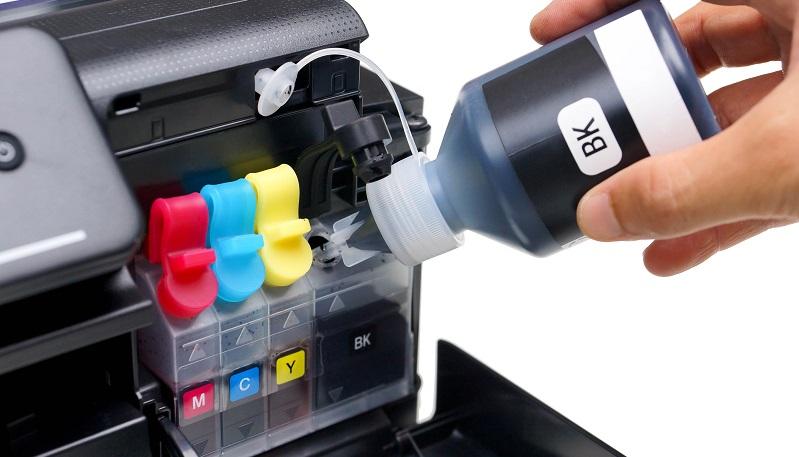 Am billigsten ist es wohl, Tintenpatronen selbst nachzufüllen, denn so zahlen Sie nichts für die Arbeit desjenigen, der das Nachfüllen übernimmt. (#05)