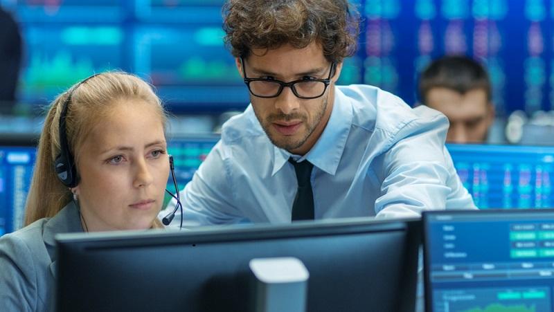 Kaufmann für E-Commerce: Der Job ist ein reiner Bürojob. Es gibt kaum Gelegenheit, seine Tätigkeit abseits des Computerbildschirms auszuüben. (#03)