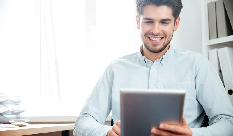 Um als Ausbildungsunternehmen für den Beruf Kaufmann für E-Commerce agieren zu können, muss die Firma bereits im Bereich des Online-Handels tätig sein. (#01)