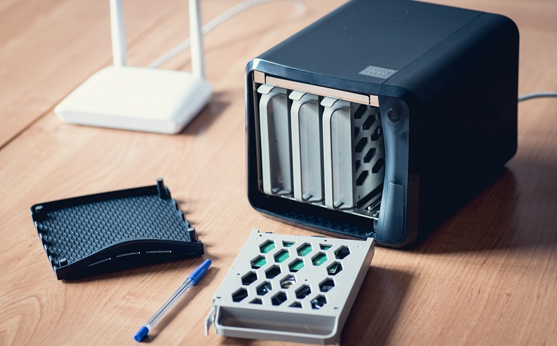 Sollte ein NAS-Server mit oder ohne integrierte Festplatte gekauft werden? (#02)