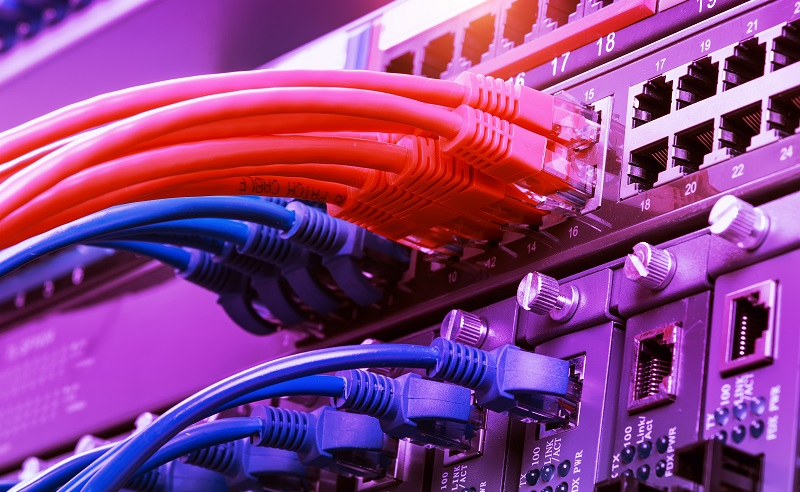 Die modernen Netzwerkspeicher mit den Gigabit-Ethernet-Ports sind optimierte Datenspeicher für ein lokales Netz. (#03)