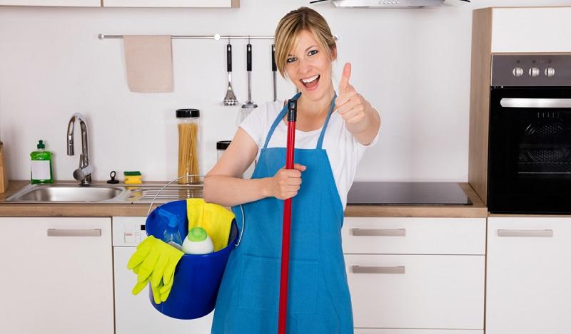 Die Reinigungsbranche: Eine weitere Gefahr zeigt sich an der Spüle der Büroküche. (#04)