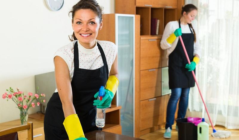 Die Reinigungsbranche: Wer sich an ein Büroreinigungsunternehmen wendet, erhält ein individuell zugeschnittenes Angebot. (#01)