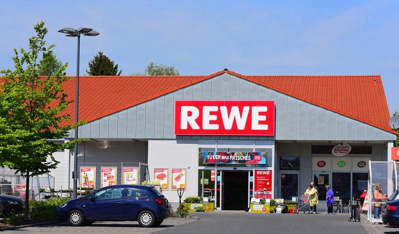 Der Markteintritt des Online Supermarktes Amazons könnte auch zu einer Verdrängung der Filialen von Edeka, Rewe, Kaufland und Real führen. (#02)