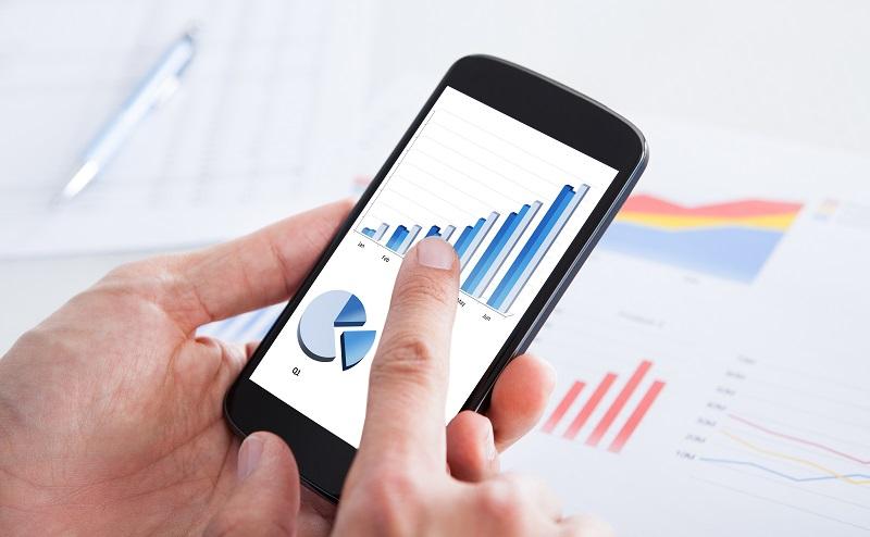 Nutzer können sogar unterwegs mit ihrem Handy auf die Daten des NAS Servers zugreifen. (#01)