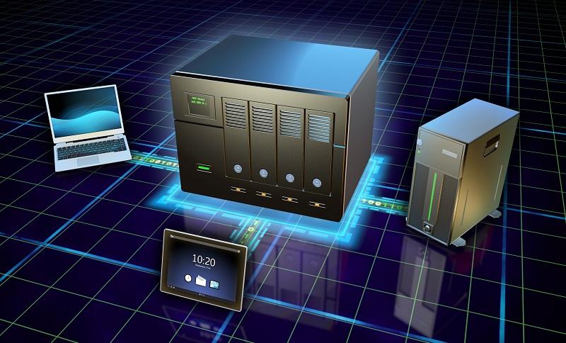 Ein NAS-Server wird direkt am Netzwerk angeschlossen und arbeitet autonom. (#01)