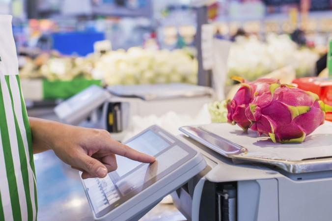 Eine Kalibrierung von Waagen ist in vielen Bereichen notwendig. Im Einzelhandel bespielsweise dient die DAkkS-Kalibrierung als Schutz für den Käufer, dass dieser nicht zu viel bezahlt und sie gibt dem Verkäufer gleichzeitig die Sicherheit, keine Einbußen aufgrund von falschen Messungen zu haben. (#1)