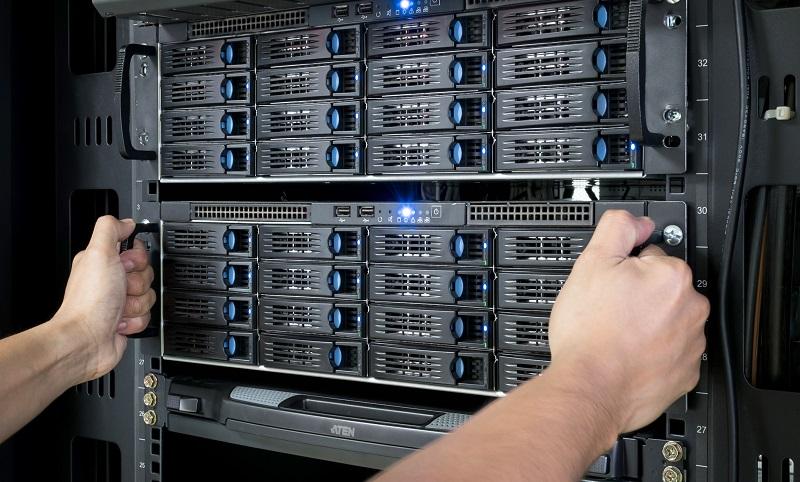 Eine sichere Alternative zu einer Cloud wäre die Nutzung eines lokalen und firmeninternen Speichers, wie z.B. einem NAS-Server. (#04)