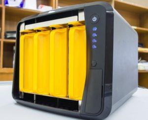 Die Netzwerkspeicher fungieren als Datei-Server mit Internetanbindung. (#01)