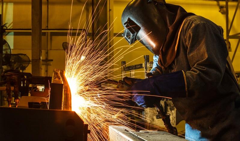 Im Umgang mit dem Schweißen von Blechen und Rohren gelten Din Normen, die die Arbeit regeln. (#02)