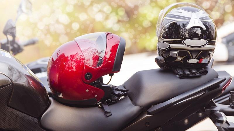 Augmented Reality hat in Motorradhelmen Einzug gehalten: Skully Technologies entwickelte einen Helm, der über ein integriertes Display verfügt und für mehr Sicherheit sorgen soll. (#03)