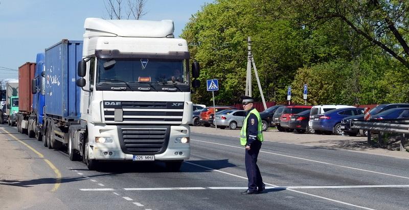 Mit der Einführung der digitalen Fahrtenschreiber soll die Sicherheit verbessert werden. (#03)