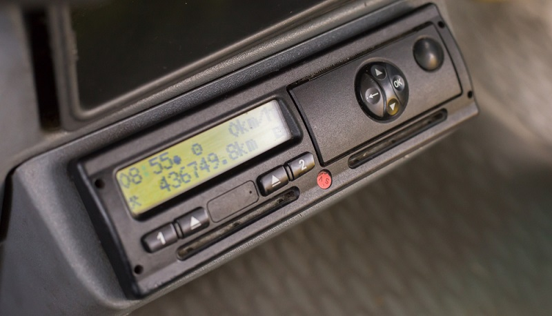Mit der Einführung der digitalen Fahrtenschreiber soll die Sicherheit verbessert werden. (#02)